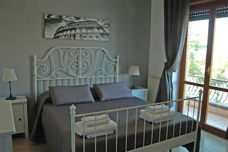 Le Anfore 2 - Marino - Bed & Breakfast