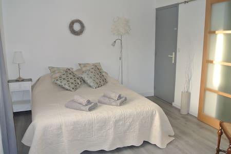 Chambre d'hôtes Bocage Normand Petit dej compris - Haus