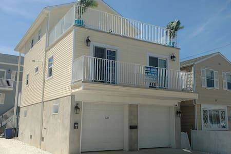 Bada Bing Shore House, Brand New 4 BR -2BR in SSHT - Talo