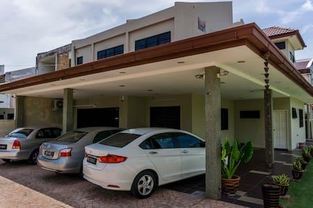 Sunrise Villa Homestay Rooms - Hus
