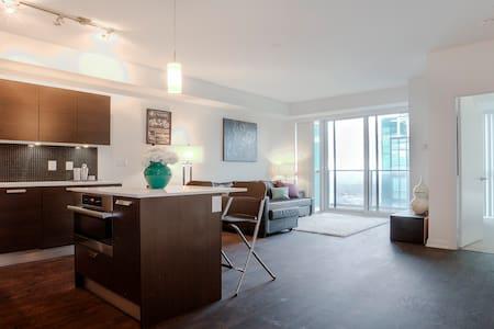 Luxury -1 Bed/Bath Condo -Toronto - Lyxvåning