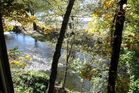 At Rivers Edge - Villa