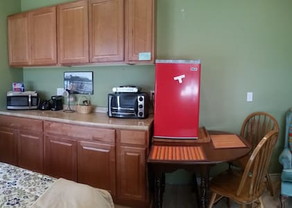 Private Cottage/Studio - Rent By the Month Too. - Sedro-Woolley - Casa