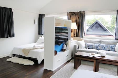 Modern Guest Loft on Lake Harriet/Linden Hills - Casa de huéspedes
