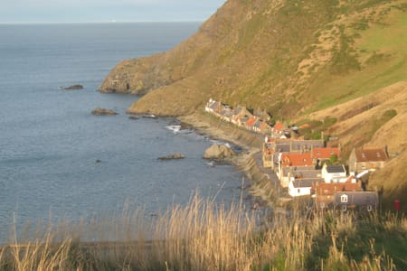 Cosy Fishermans Cottage, Crovie - House