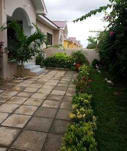 LOVELY 3 BEDROOM HOUSE WITH 24HR SECURITY - House
