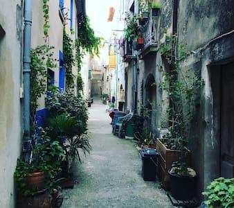 Byhus i Aniane, Languedoc - Aniane - Huis