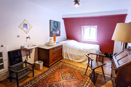Zimmer in altem Gutshof, Pferdestall - Muu