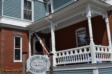 Cheney House Bed & Breakfast - Bed & Breakfast