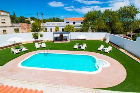Apartamento Laranja Limão, com piscina. - Apartment
