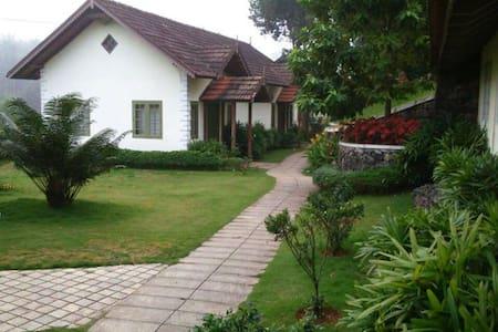 Springdale Heritage Resort,Periyar - Bed & Breakfast