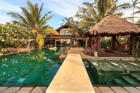 Amazing beachfront pool villa
