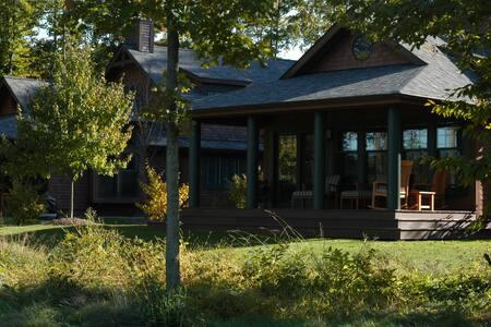 Sand Ridge Golf Course Cottages - Chardon - Cabane