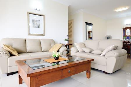Permas Jaya Luxury StraitView Condo - Masai - House