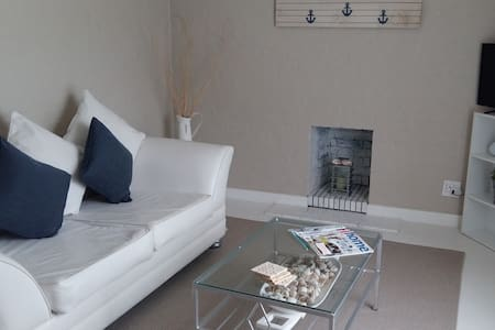 3 Anchors - Upstairs Self-Catering Apartment - Kaapstad