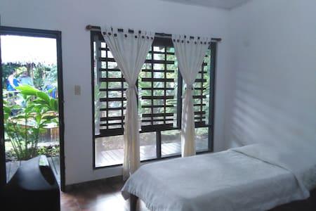 MadreSelva Open its doors - Fan - Bed & Breakfast