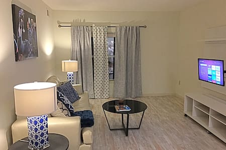 PRIVATE DOWNTOWN MEMPHIS CONDO 5 BLOCKS TO BEALE - Memphis - Departamento