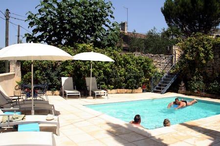 Vine Cottage & pool an hour from Bordeaux/Bergerac - Maison