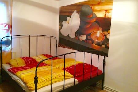 Gute Übernachtungsmöglichkeit Nähe Mercedes - Bremen - Apartment