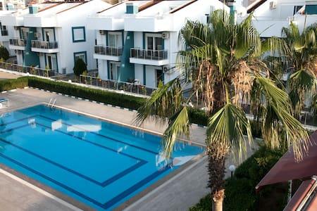 Antalya Havuzlu site içerisinde 2+1 Kiralık Daire - Aksu - Pis
