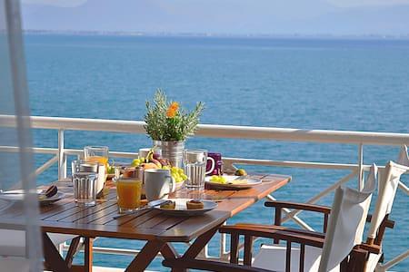 Waterfront Holiday Apartment,  Kiveri, Nafplion - Kiveri - Apartment