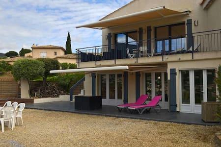 Villa moderne pour 14, 2 espaces de vie - Cavalaire-sur-Mer