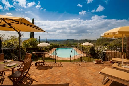 Holiday home near San Gimignano - Poggibonsi - Apartment