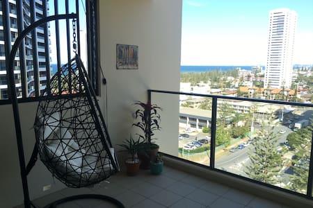 Upmarket, beachside apartment - Apartment