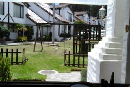 Linda casa disfrutar de un buen momento - Quito