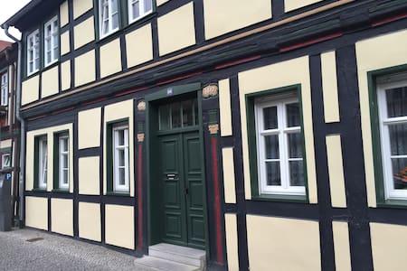 Altstadt 2 Zim. Wohnung Anno 1617 - Condominium