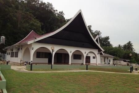Kuala Kubu Bharu Homestay/Function House - Bungaló