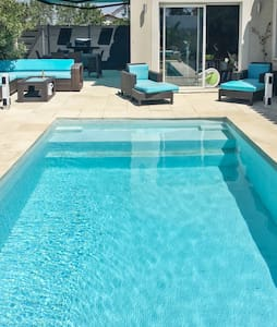 Comfortable house with swimming pool - House