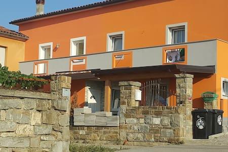 Romi's house - Sveti Anton - House