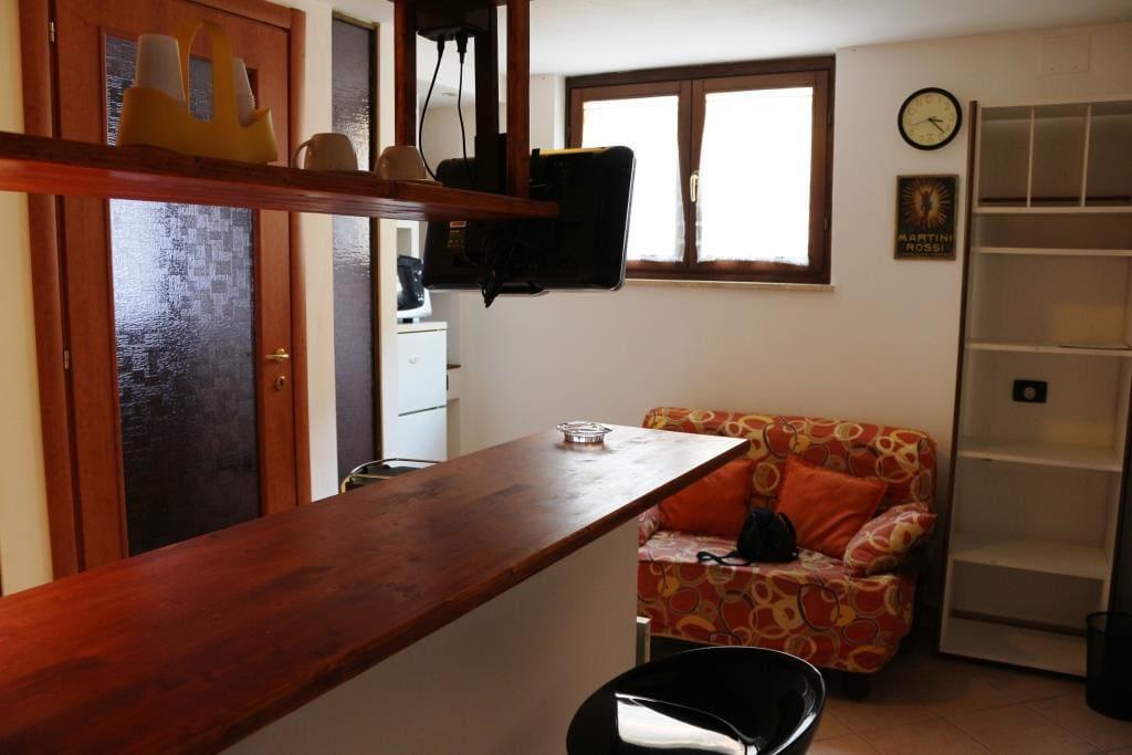 Miniappartamento arredato SP