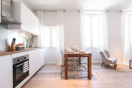 NEW! Modern Luxury in Cannes Center 4 min to Beach - Apartment