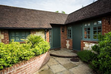 Double Room in 17th Century Bed and Breakfast - Fernhurst