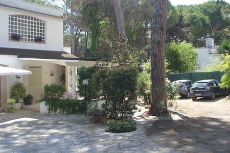 Villa a San Cataldo a pochi passi dal mare - Provincia di Lecce - Villa