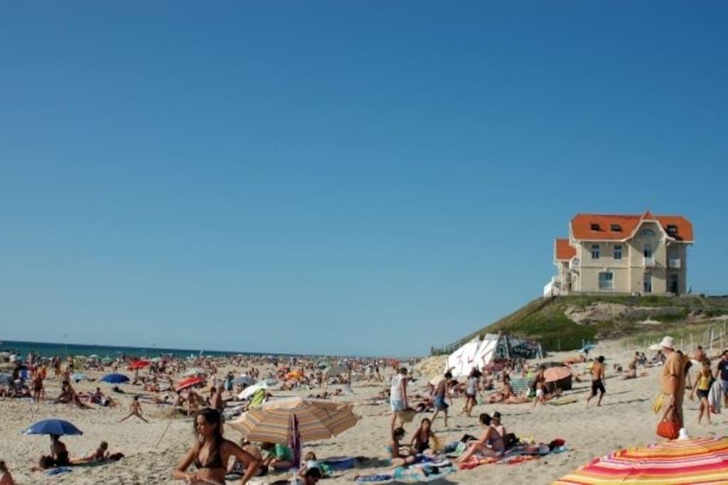L'unique maison de la côte sur la dune face à l'océan...