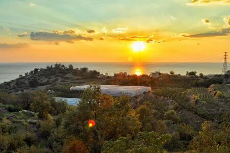 MÜSTAKİL VİLLA ÖZEL HAVUZLU DENİZ KALE MANZARALI - Seki Köyü - Villa