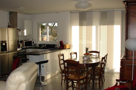 SAMSUFI - House