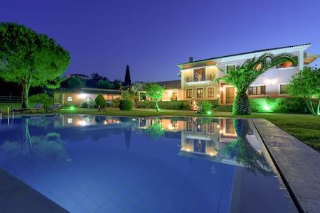 Romantic Villa with literary flair - Agios Dimitrios