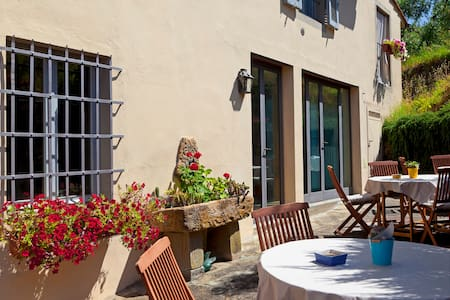 Farmhouse Florence w pool Paleo - Bed & Breakfast
