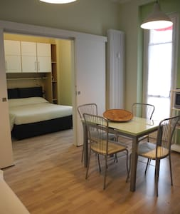 Comodo appartamento in centro - Apartamento