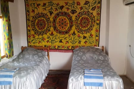 Mekhtar Ambar Caravan saray hotel - Bed & Breakfast