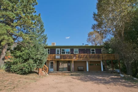 Pikes Peak 4 Bedroom on Creek - Apartamento