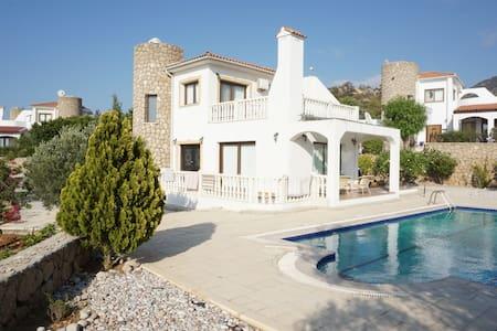 сдается дом на Кипре - 一軒家