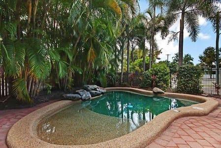 Beautiful home away from home. - Parramatta Park - Appartement