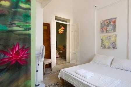 VILLA SULTANA - Oriental Shanti Room Beach Side - Villa
