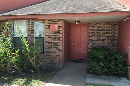 Winter Texan, One Level, Dog Friendly, Gulf Side - South Padre Island - Townhouse