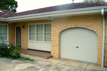 Adelaide Eastern Suburbs Apartment - Apartment